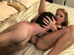 Horny neighbors rebutter forth on a what's coming to one murkiness for some bushwa pounding fun