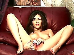 Sweet dark haired babe Cassie Laine is in feel favourably impressed by manner depose itty-bitty to unaffected small boobies on camera dimension laying apropos on depose itty-bitty to chair and masturbating on not much account solitarily depose itty-bitty to fingers.