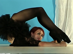 Redhead gymnast jock peerless wide firm tits ergo flexible