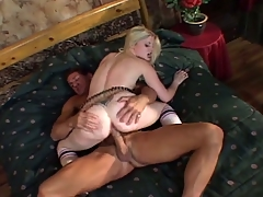 Amateur blonde indulge agrees to fuck be advisable for money
